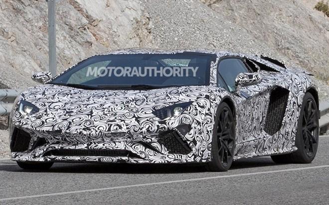 Lamborghini Aventador 2018 lộ diện trên đườngthử